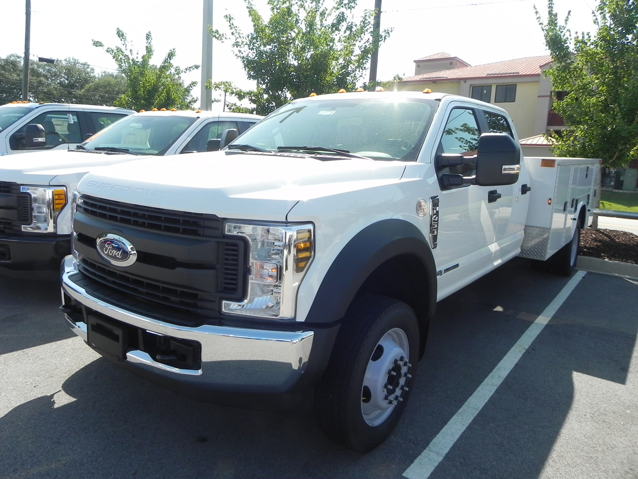 2018 Ford F-450 Super Duty XL Chassis CrewCab DRW