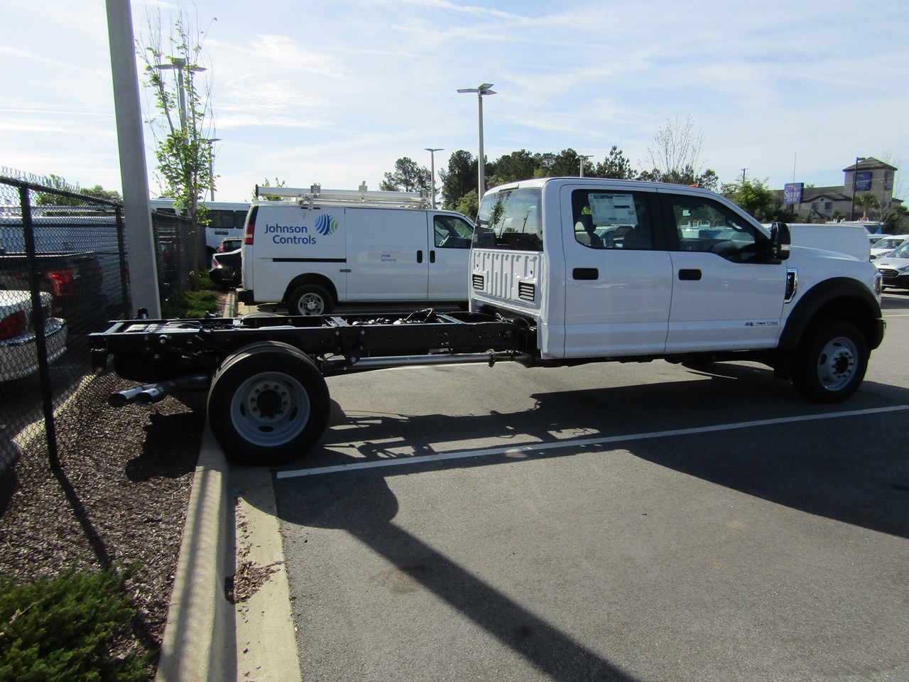 2019 Ford F-550 Super Duty XL Chassis CrewCab DRW