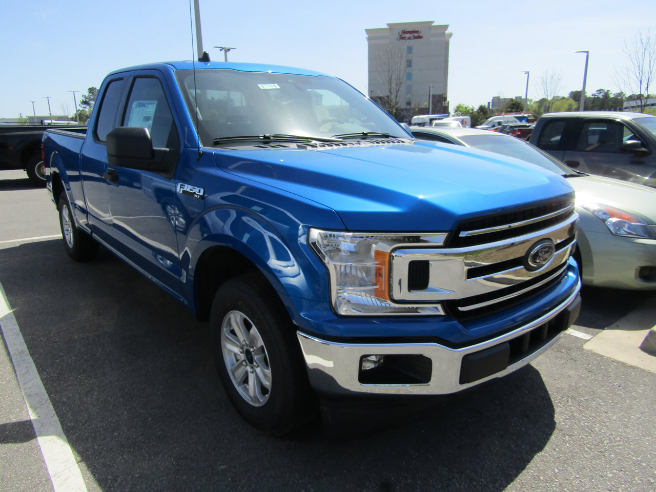 2019 Ford F-150 XLT SuperCab Dick Smith Ford serving Columbia, Sumter, Orangeburg, West Columbia, Lexington, Newberry, Lugoff SC, Selling new Ford cars and trucks and used vehciles in Columbia, SC