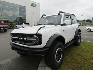 2021 Ford Bronco Advanced 2D Outer Banks 4WD Dick Smith Ford serving Columbia, Sumter, Orangeburg, West Columbia, Lexington, Newberry, Lugoff SC, Selling new Ford cars and trucks and used vehciles in Columbia, SC
