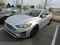 4: NEW 2019 FORD FUSION SE